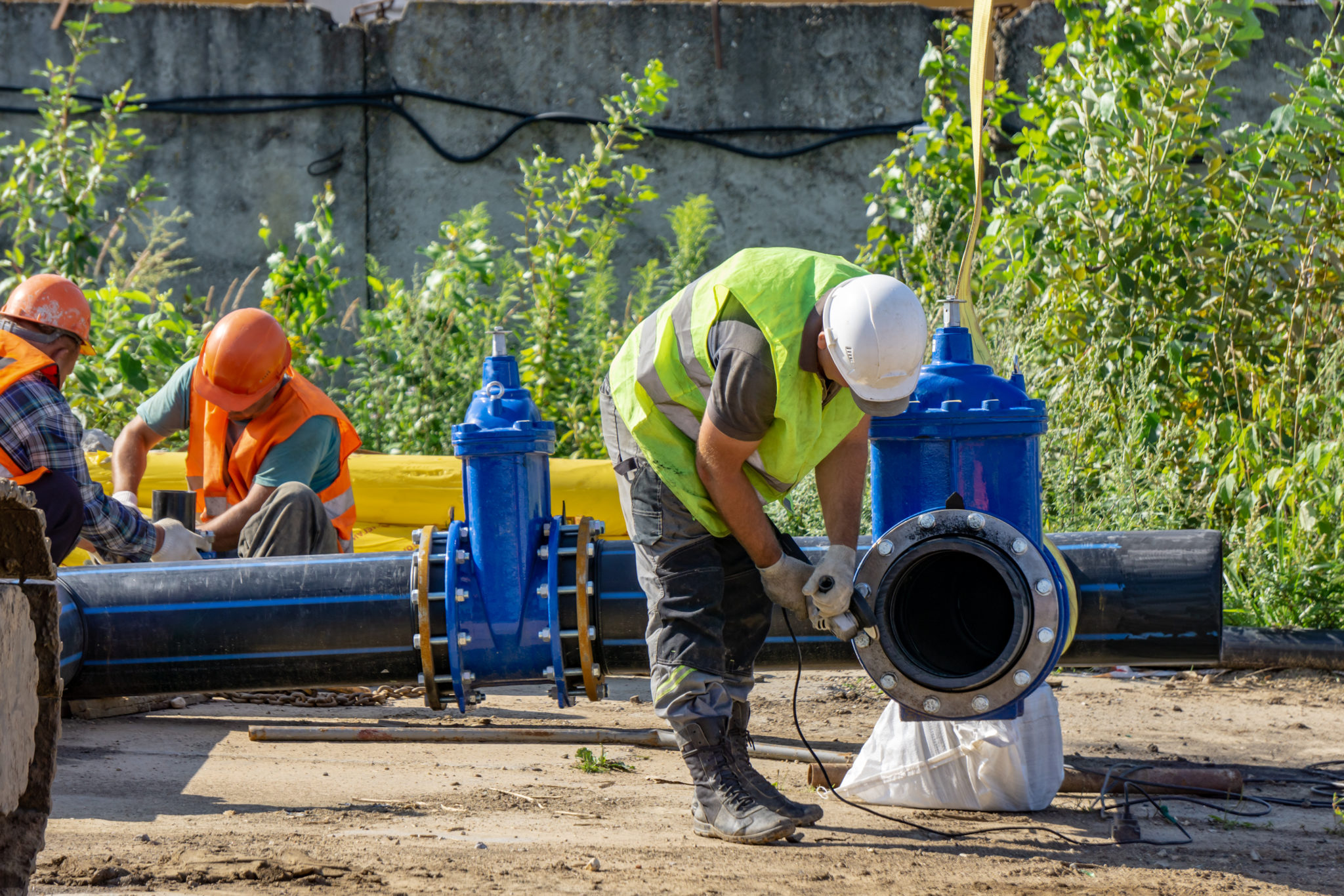 Installation of the pipeline at the construction site